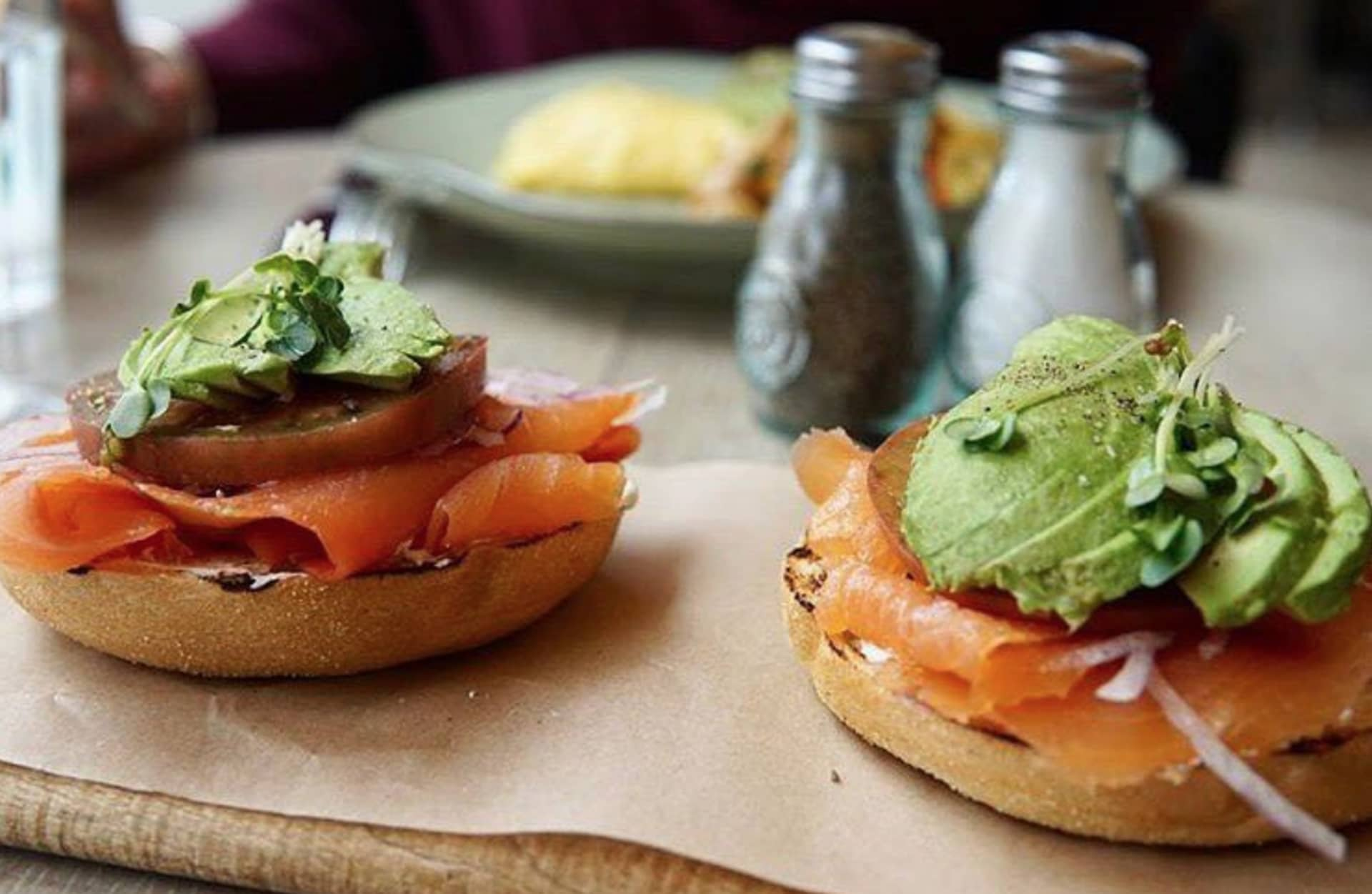 SCOTTISH SMOKED SALMON BAGEL