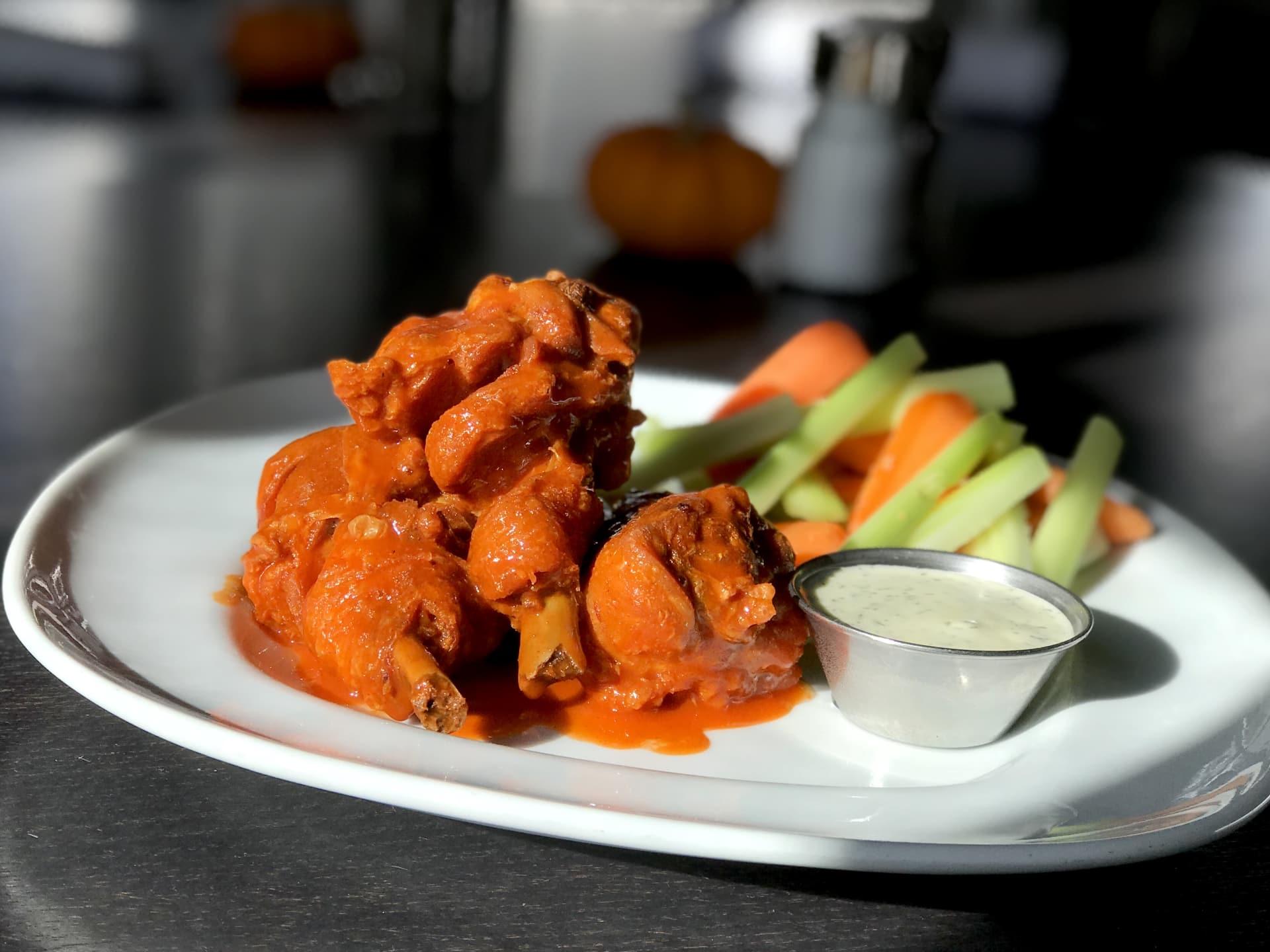Hot Wings w/ Drumettes, Carrots, Celery & Ranch