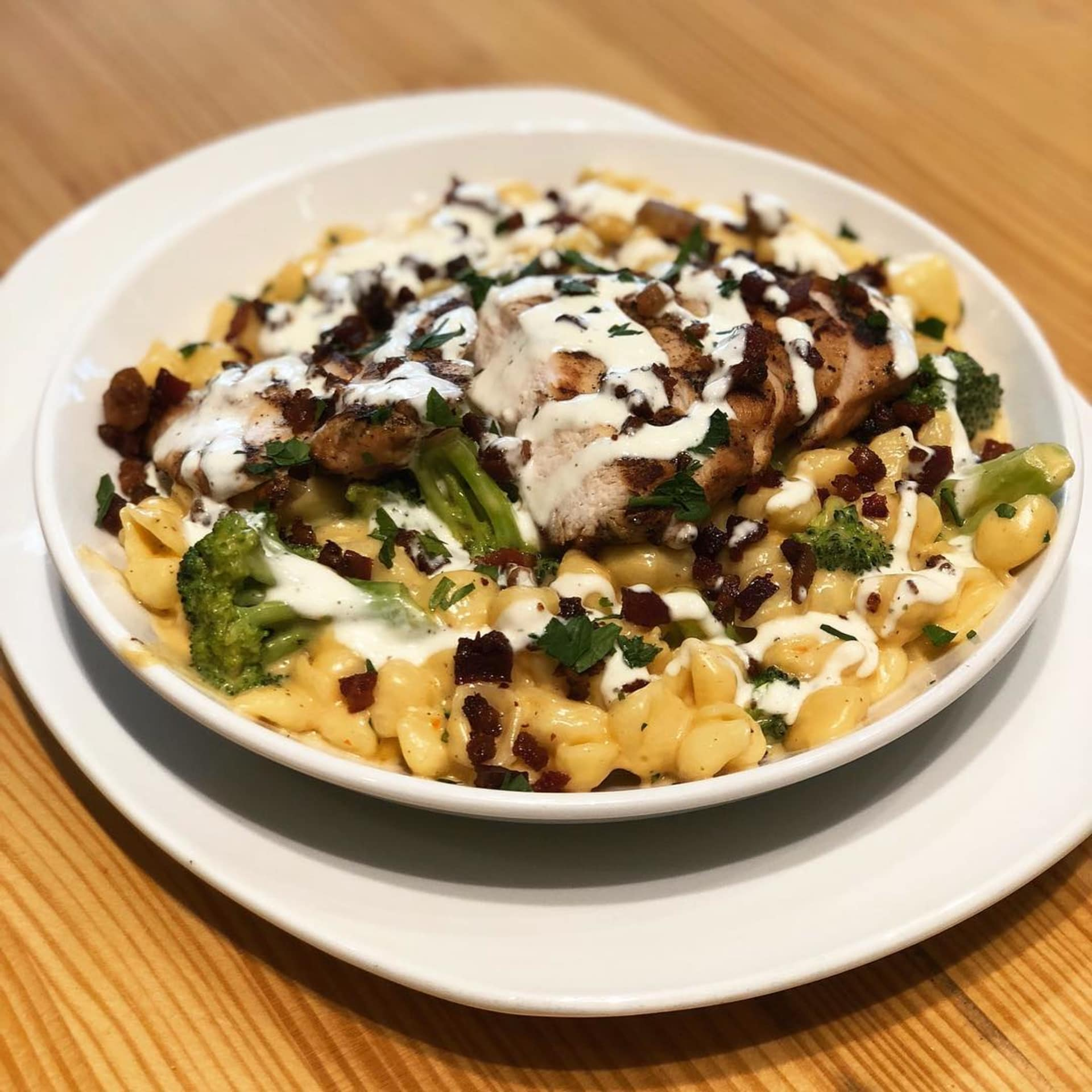 Tuesday- Trivia, Build Your Own Mac and Cheese Night & JukeVision Free Play