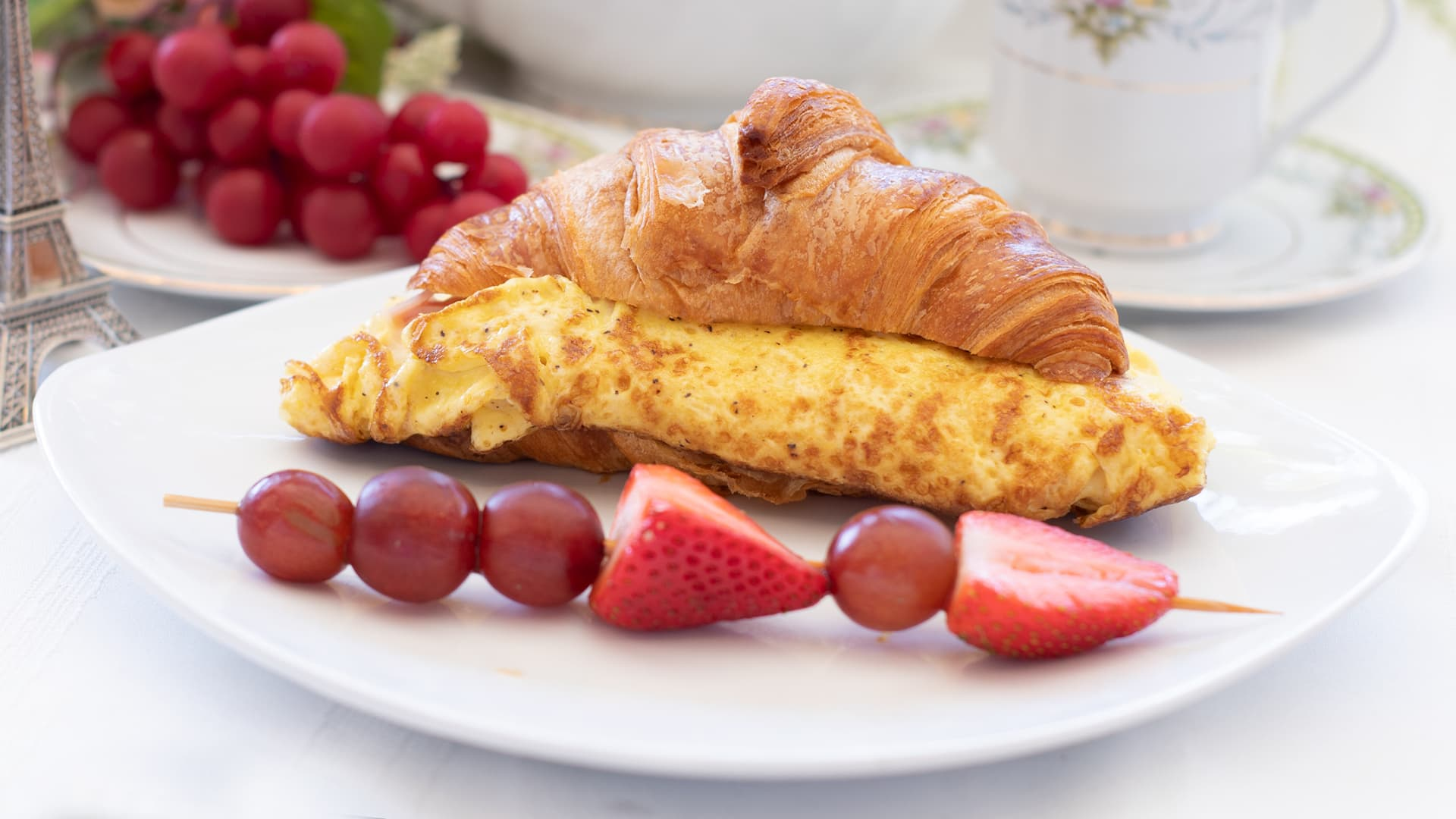 Egg, Ham & Gruyere Croissant