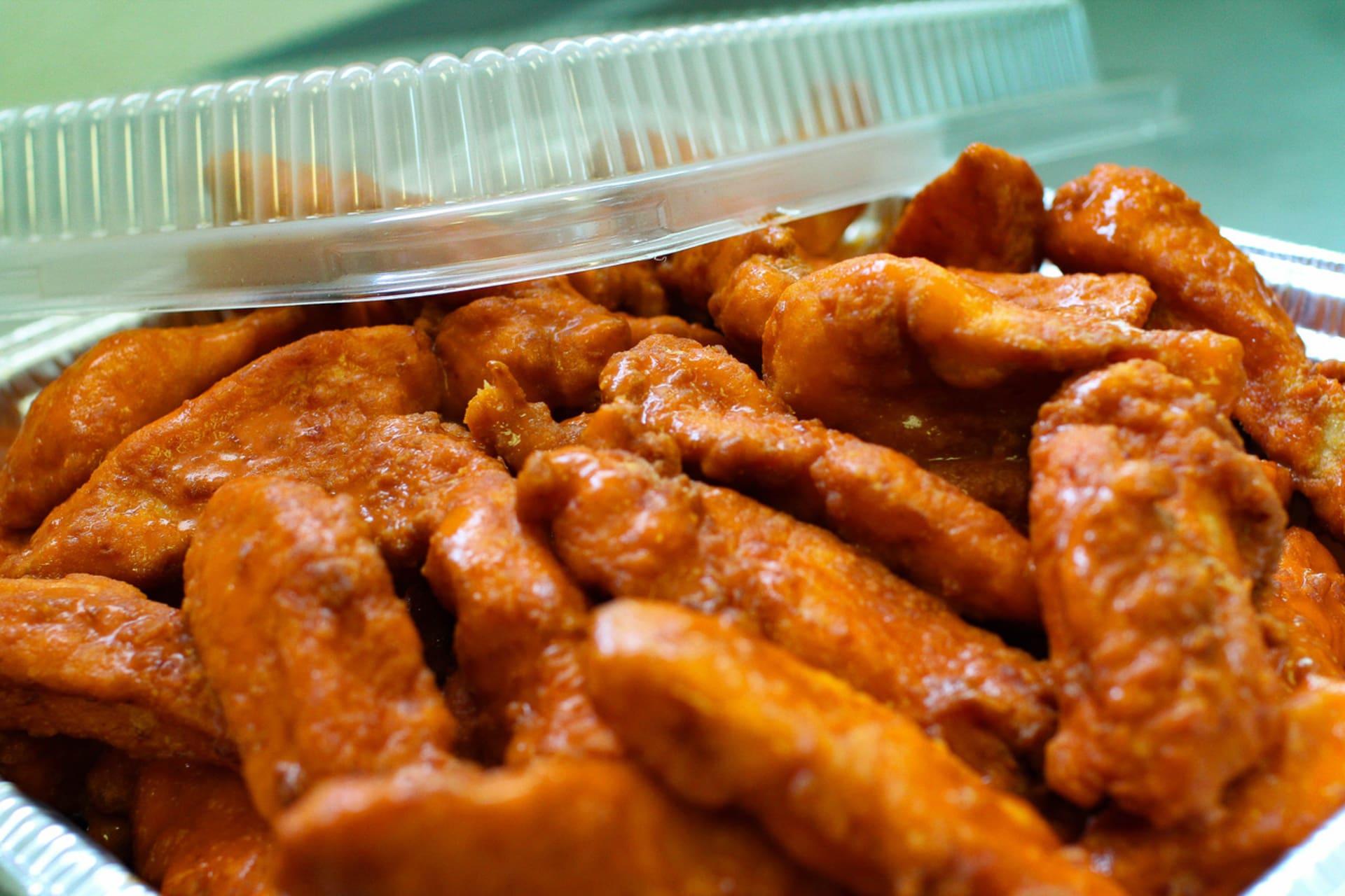 Boneless Buffalo or BBQ Chicken Wings