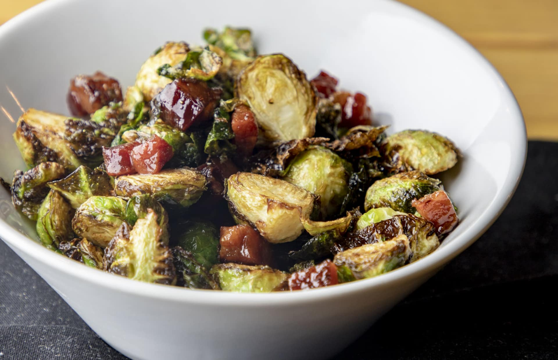 PAN ROASTED BRUSSELS SPROUTS WITH LARDDNS