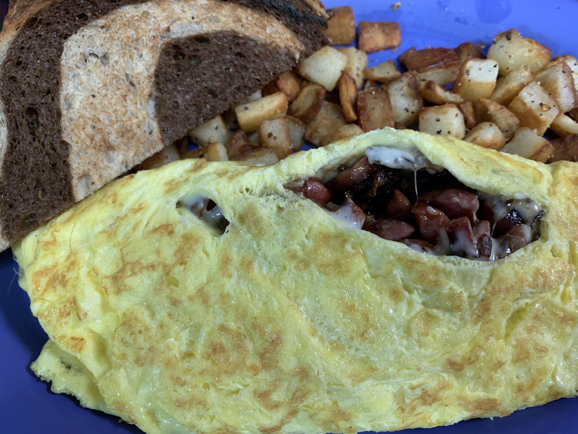 Kielbasa Omelet