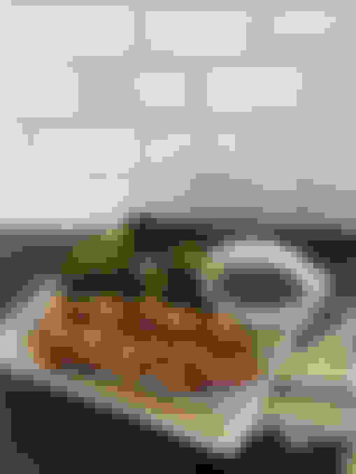 Chicken kabobs with sesame peach glaze