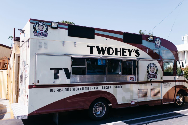 twohey's food truck