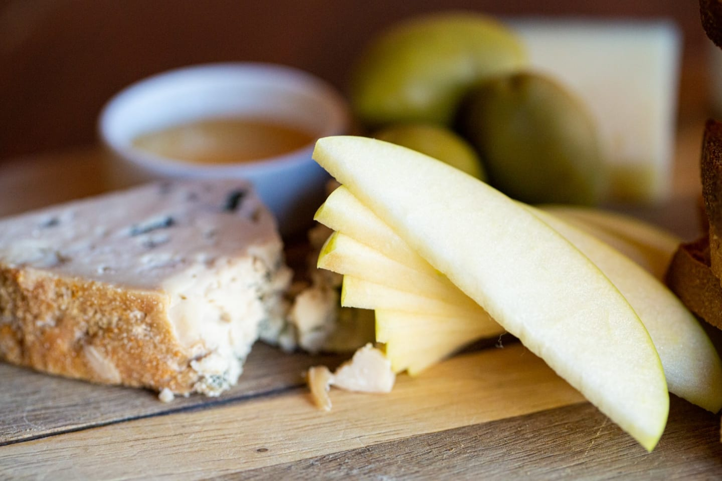 apples from cheese board