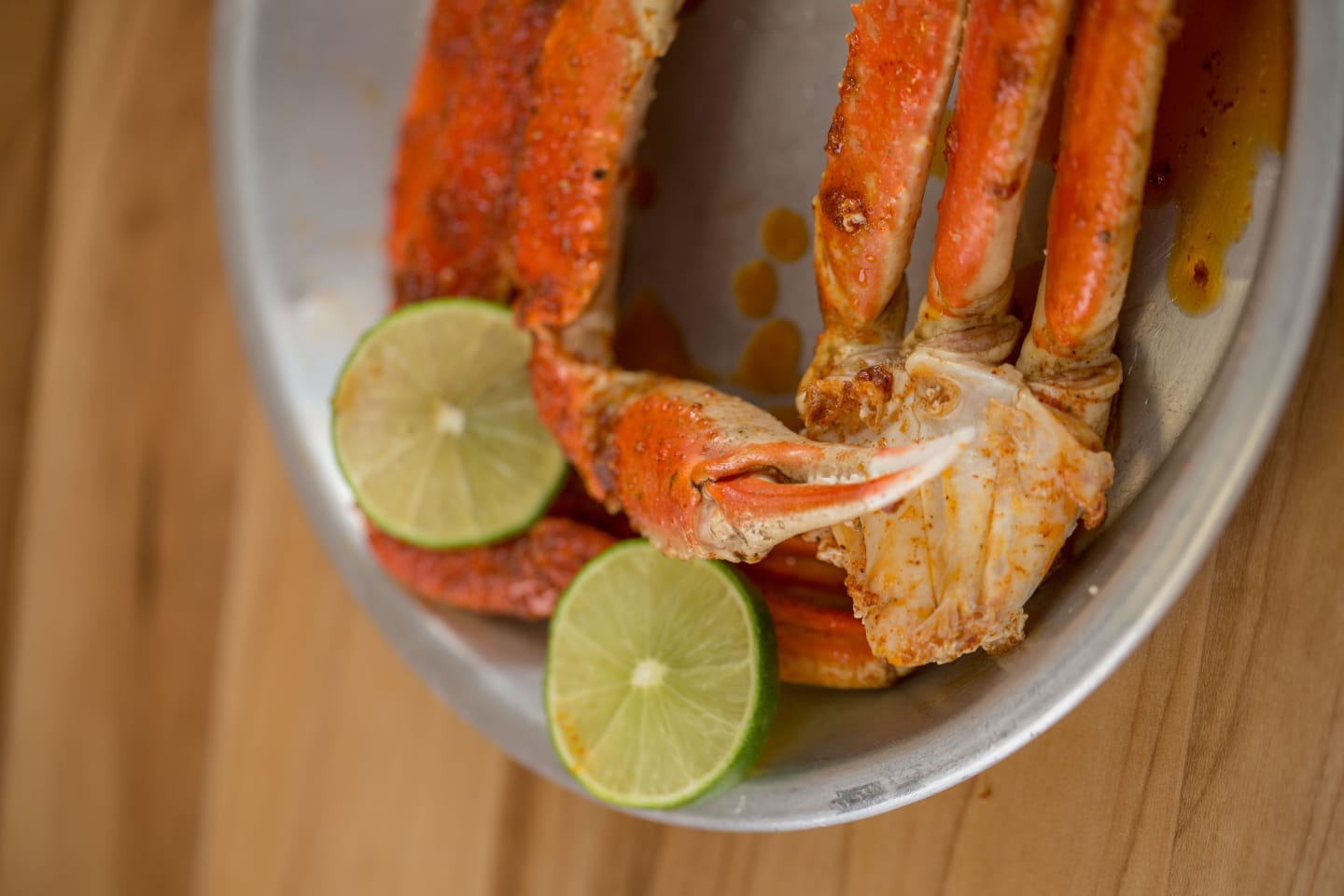 crab legs with lime