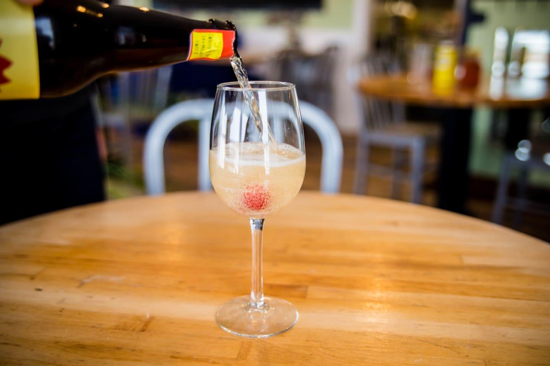 fizzy wine