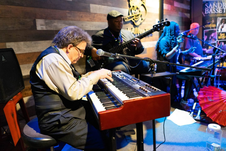 entertainer playing keyboards