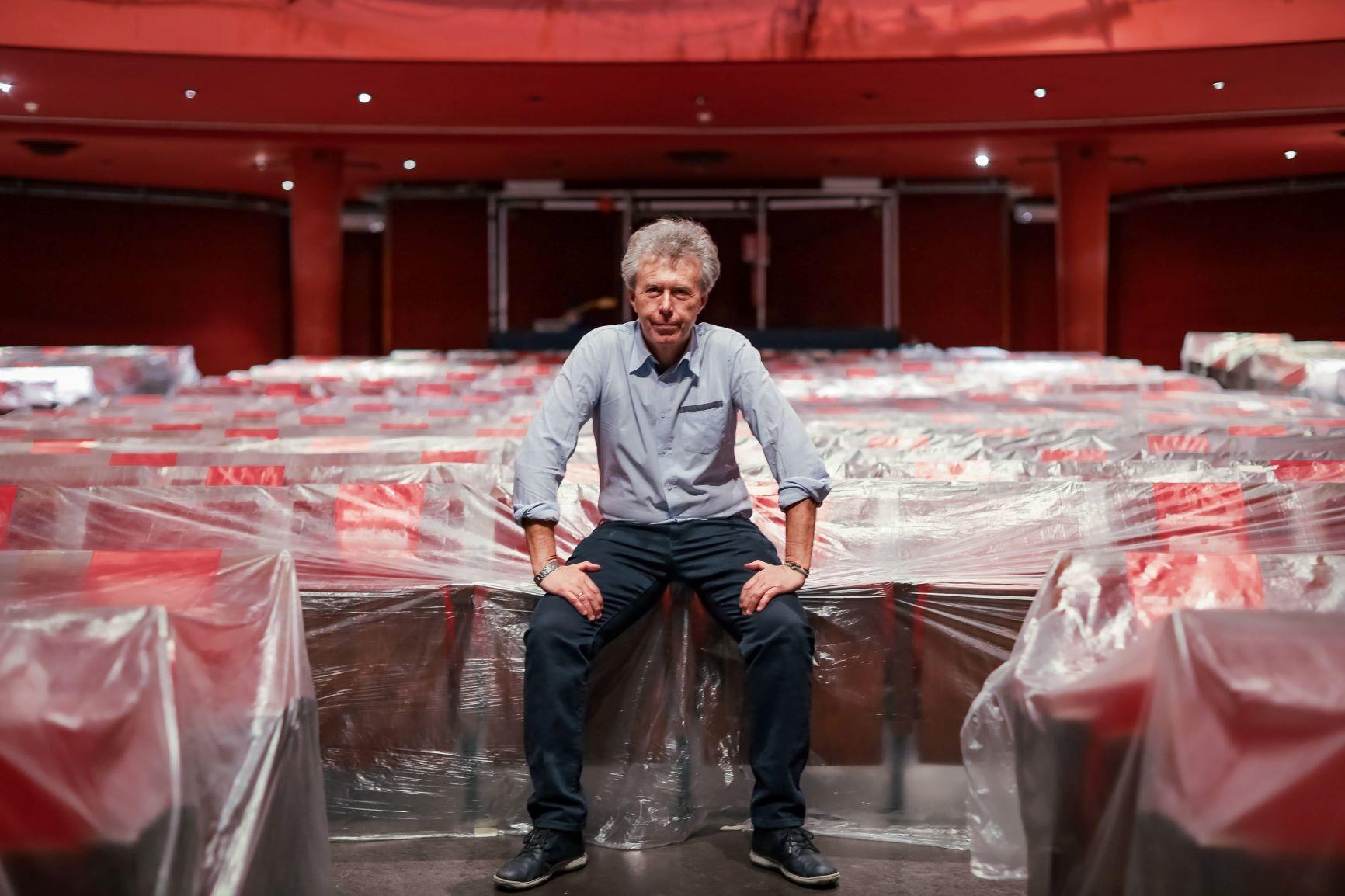 Teatro Carcano Milano: lunedì 15 marzo primo appuntamento online di CONTROCORRENTE di e con Paolo Colombo