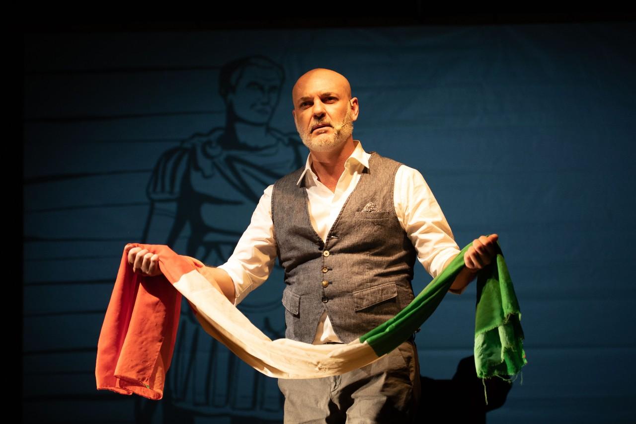 Teatro Manzoni - EDOARDO SYLOS LABINI  in  IL SISTEMA