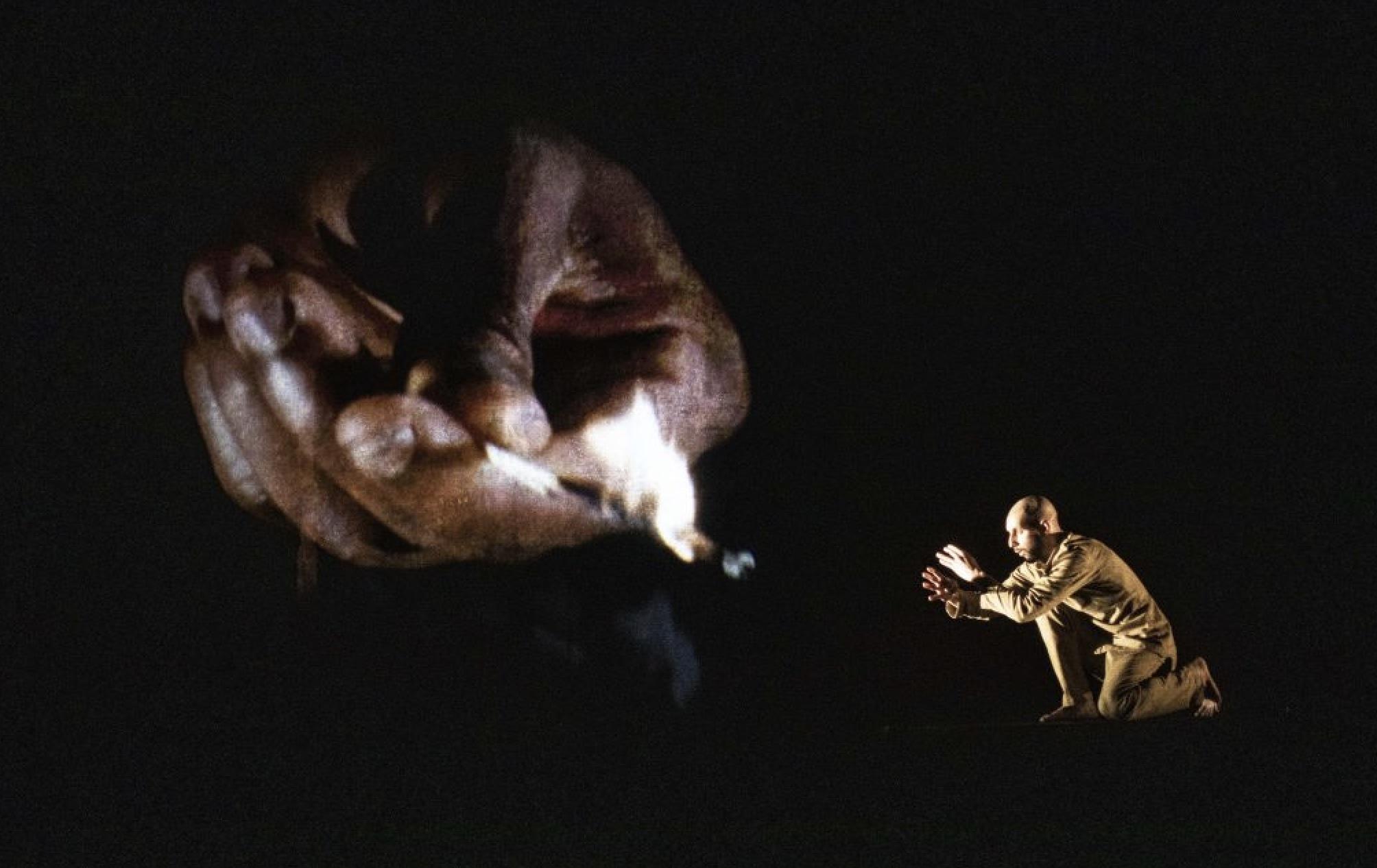 Teatro Franco Parenti - Chotto Xenos Akram Khan Dance Company