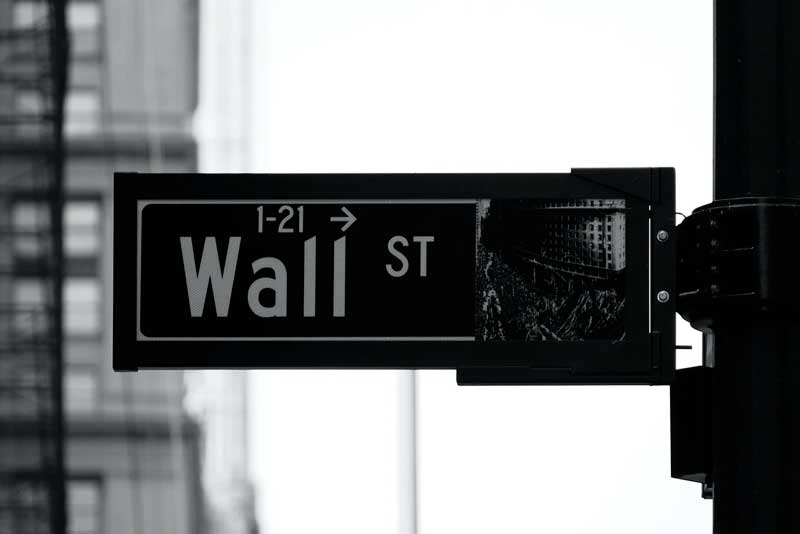 Será que as grandes empresas financeiras investem em Opções Binárias?