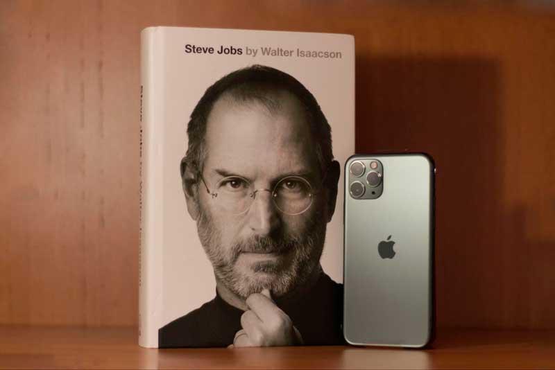 Fundada no final dos anos 1970 por Steve Jobs e Steve Wozniak, a Apple é uma das gigantes da indústria da tecnologia.
