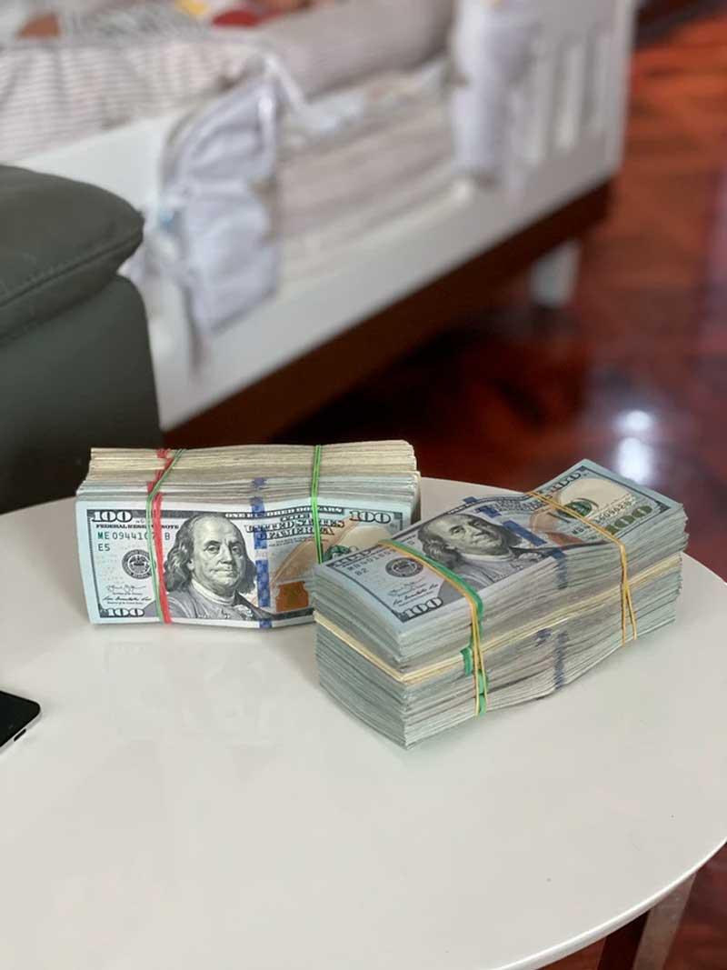 Será que vale a pena guardar dólar em casa, como investimento?