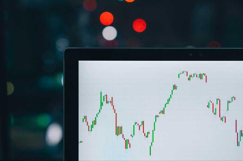 As estratégias de day trade tipo scalping fazem com que o trader foque 100% da sua atenção nas pequenas variações de preço