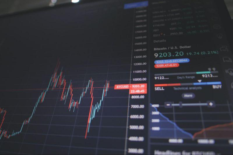 O que são ETFs: A diversificação te protegerá de eventuais quedas e flutuações de mercado.
