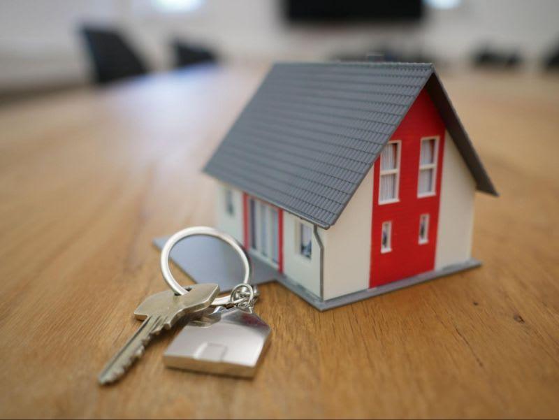 Mesmo no ramo imobiliário o princípio da arbitragem é o mesmo: fazer o intermédio entre o comprador e o vendedor