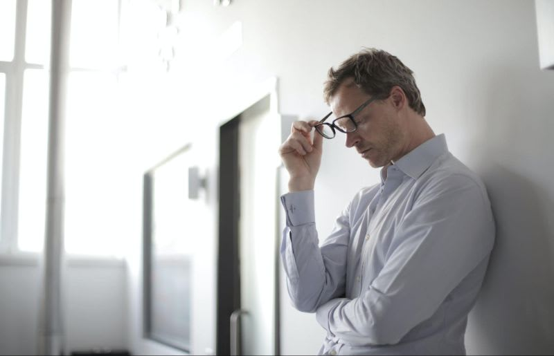 Procure uma boa corretora e diminua as chances de ter dores de cabeça insuportáveis com um mau atendimento