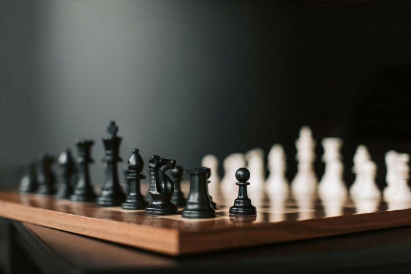Assim como em um jogo de xadrez, existem diversas estratégias para se investir na Bolsa de Valores