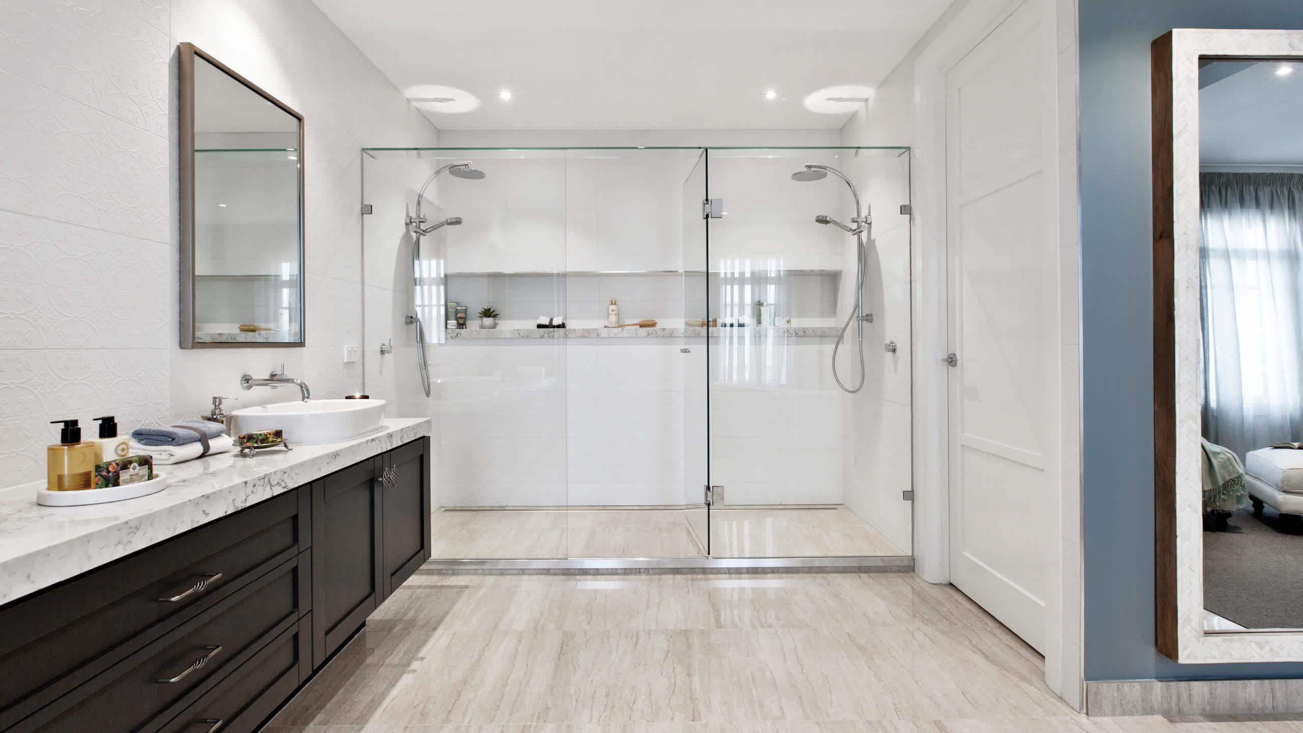 carousel image bathroom-astor_grange_54_upperpointcook_classic_hamptons-42-2