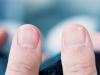 ¿Qué significa tener (o no tener) lúnula en tu uña?