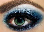 Maquillaje azul, para una mirada celestial