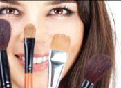 Los mejores tips para maquillarte y no morir en el intento