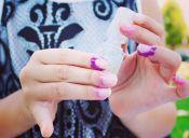 Estos stickers te ayudarán a pintarte las uñas a la perfección