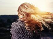 ¿Cómo cuidar el pelo teñido en verano?