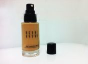 Base Skin Foundation, de Bobbi Brown