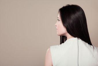 3 recetas caseras para oscurecer el tono de pelo