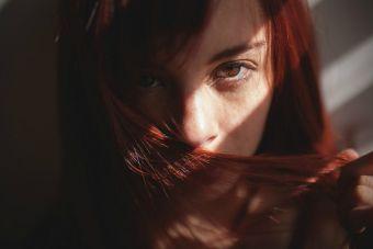 ¿Es verdad que el amoniaco daña tu cabello?