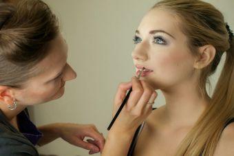 Maquillaje de noche para rubias