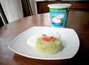 Prepara un timbal de Quínoa con pollo y aderezo de Yoghurt Natural 0%