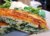 Preparar sándwich grillado de queso caliente con espinacas