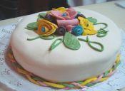 Prepara una Torta Panqueque Frambuesa con cubierta de fondant