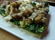 Prepara una tarta de espinacas, champiñones ostra y queso de cabra