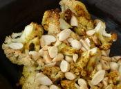 Prepara coliflor asada con almendras tostadas