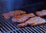 Dato Cookcina: ¿Qué carnes son blandas para la parrilla?