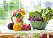 ¿Es recomendable cortar la parte descompuesta de una verdura?