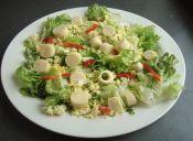 Prepara ensalada de palmito con aderezo de huevo