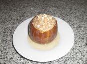 Preparar peras rellenas con crocante de nueces