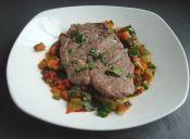 Preparar lomo con pisto de verduras