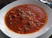 Cocinar guiso bolognesa