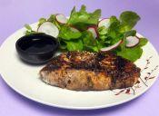 Cocinar salmón a las finas hierbas