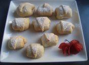 Canolis de dulce de membrillo