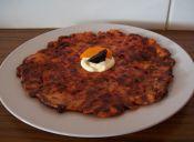 Paso a paso: Tortilla de zanahoria y betarraga