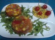 Cómo hacer un Aspic de tomates y verduras