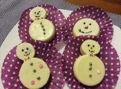 Cómo hacer Muñecos de nieve en base a galletas oreo y chocolate blanco